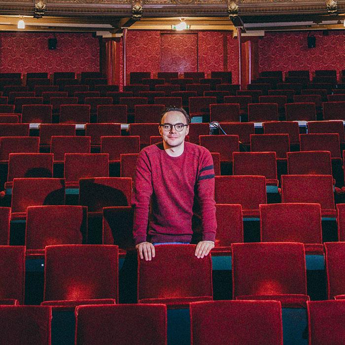 Cómo encontrar una sala de teatro para mi obra en Madrid